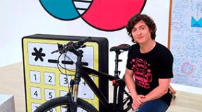 ¿Por qué las bicicletas de competencia no se caen en una pista inclinada? (Razones trigonométricas y movimiento circular uniforme)